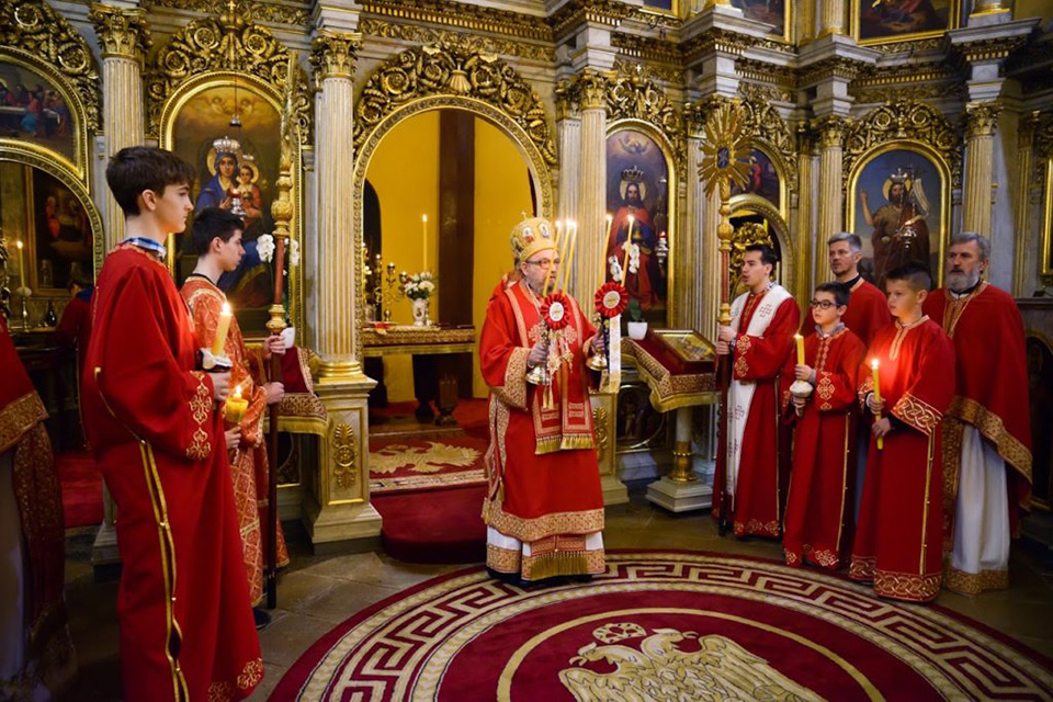 Владика Лукијан у храму Светог Георгија у Будимпешти